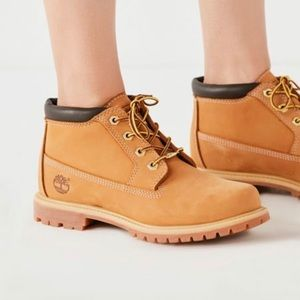 Women's timberland short lace up waterproof boots